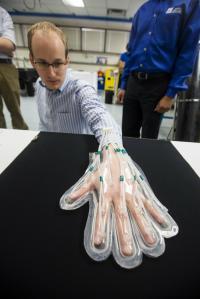 REHEAL Glove
