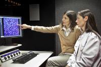 Maria Blasco and Mercedes Gallardo, Centro Nacional de Investigaciones Oncol�gicas (1 of 3)