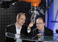 Drs. J�rg Ihde and Uwe Lommatzsch, Fraunhofer-Gesellschaft