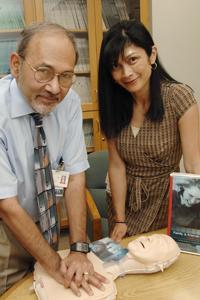 Drs. Lynn Roppolo and Ahamed Idris, UT Southwestern Medical Center