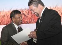 Chittaranjan Kole Receiving Award