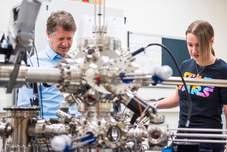 Фототехника спб бу технологический институт безмассовых частиц