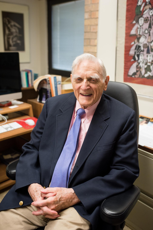 Lithium-ion battery inventor wins world's oldest scientific prize   EurekAlert! Science News