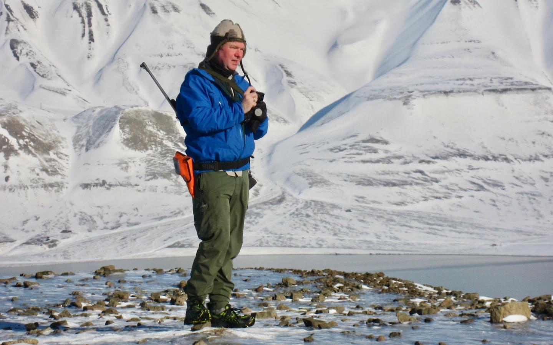 Newswise: Plane travel destroys polar bear habitat