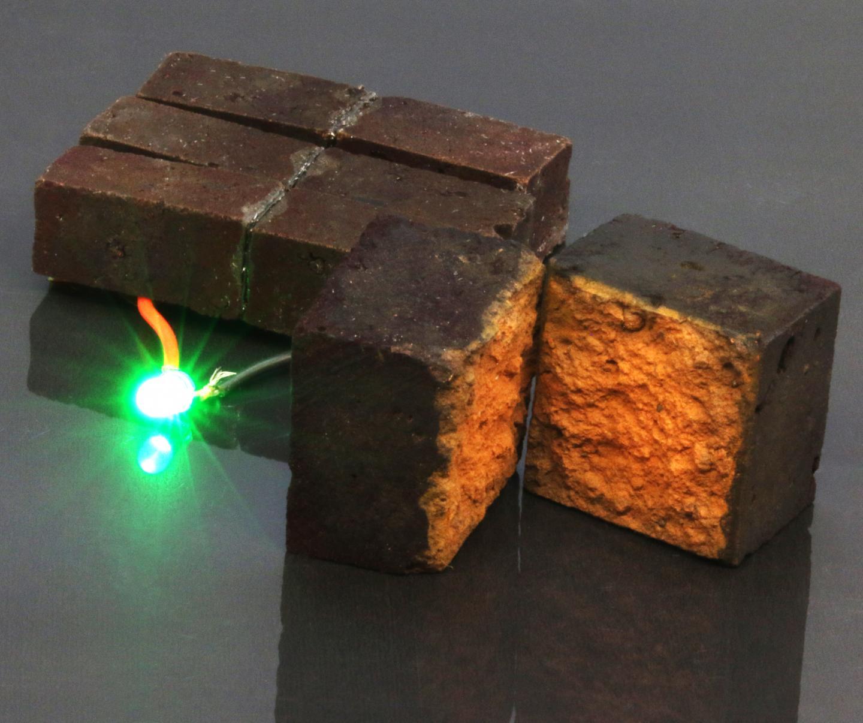 Storing energy in red bricks - Science Codex